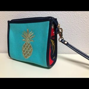 NEW - Spartina Clutch